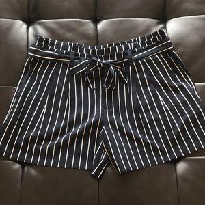 Banana Republic paper-bag shorts